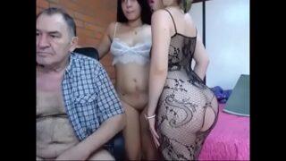 trió con mi abuelo y mi amiga videos de incesto xxx